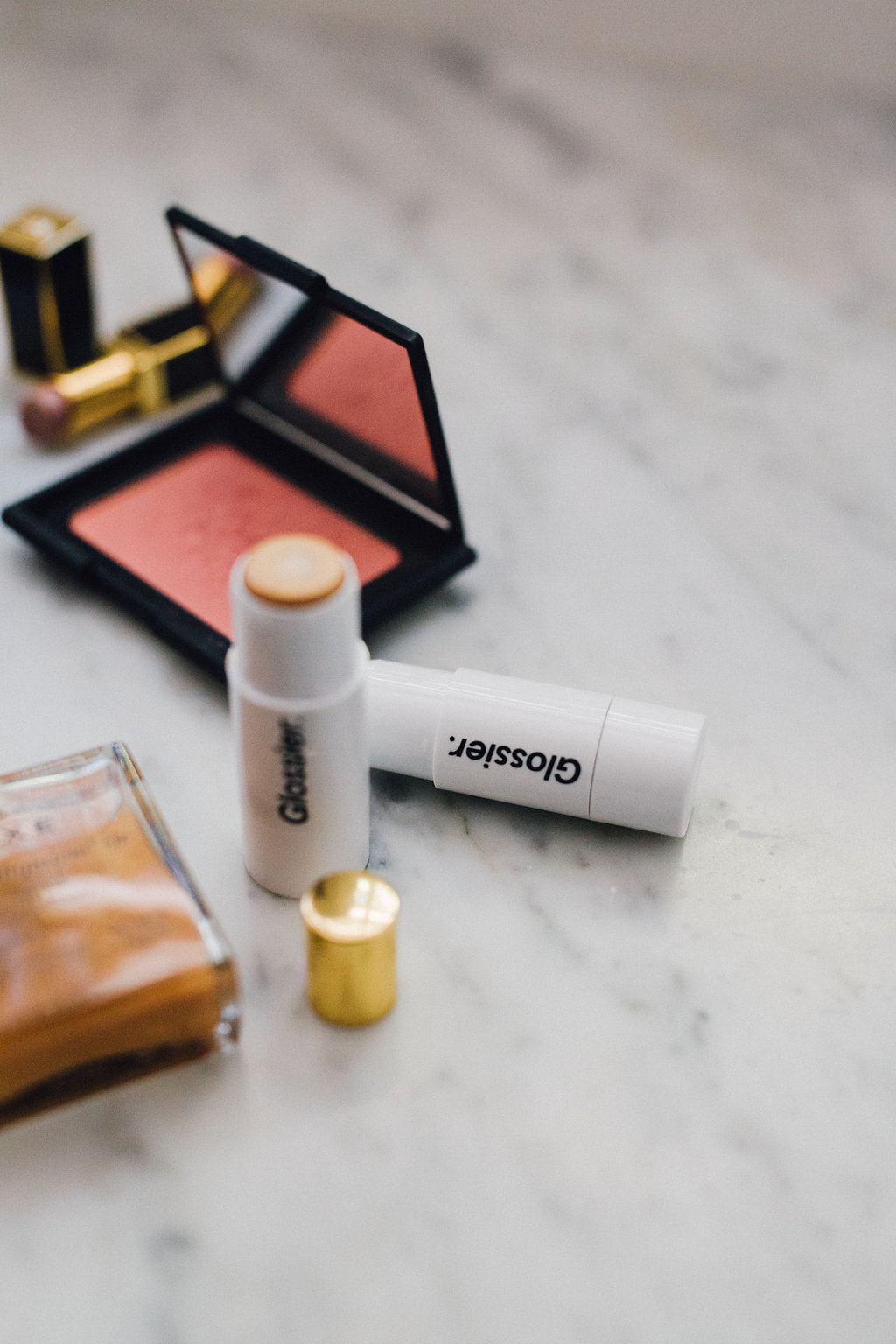 glossier highlighter bronzing stick