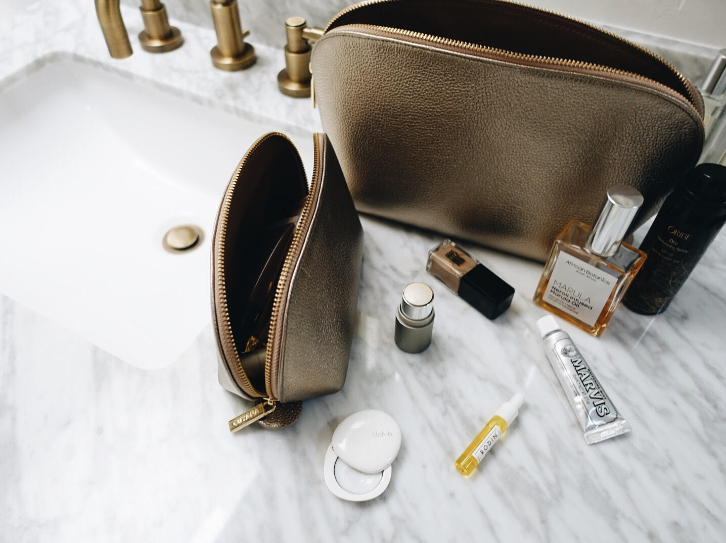 give better: cuyana leather travel case