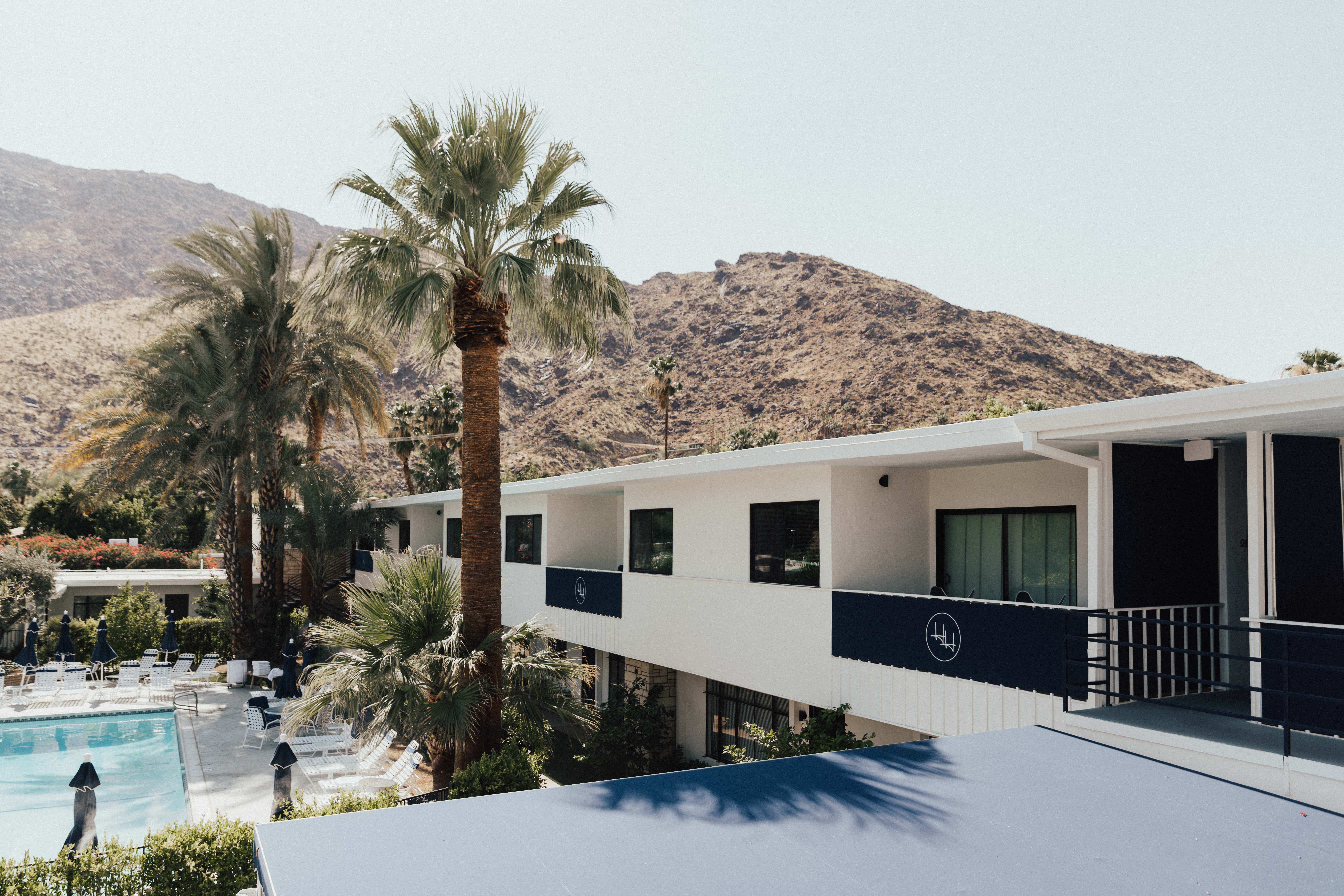 Holiday House Palm Springs - Where to Stay in Palm Springs