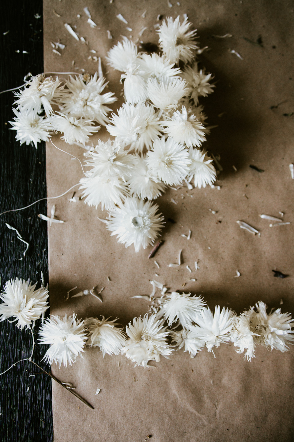 DIY Bleached Strawflower Chains -- Holiday Decor You Can Leave Up Through New Years